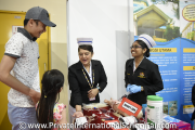 Pusat Darah Negara representatives interacting with visitors